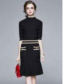 Wholesale Europe Pleated Color Block Slim Knitting Dress