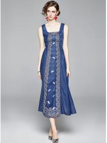 Europe Stylish Square Collar Embroidery Denim Tank Dress
