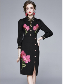 Modern Lady Flowers Embroidery Single-breasted Slim Dress