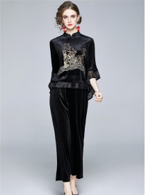 Retro Europe Embroidery Dovetail Velvet Two Pieces Suits