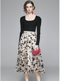 Autumn New Knit Tops with Gauze Flowers Long Skirt