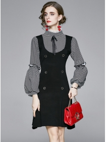Retro OL Wave Stripes Puff Sleeve Double-breasted Knit Dress