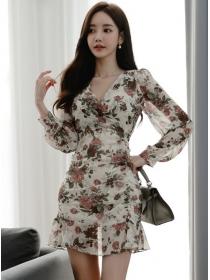 Pretty Fashion V-neck Flowers Chiffon Long Sleeve Dress