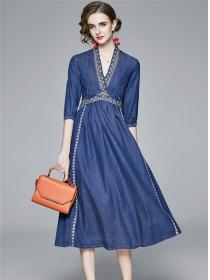 Retro Europe Embroidery High Waist V-neck Denim Dress