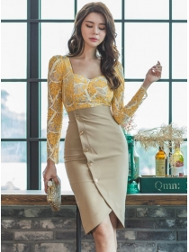 Korea OL 2 Colors Lace Blouse with Single-breasted Skirt