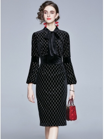 Grace Retro Tie Collar Plaids Bodycon Velvet Dress