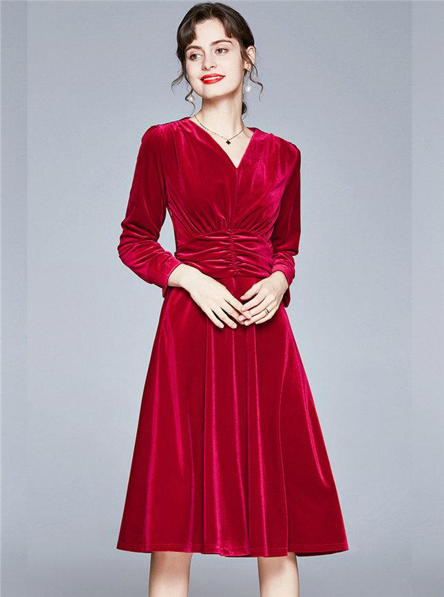 Europe Autumn Pleated High Waist V-neck Velvet Dress