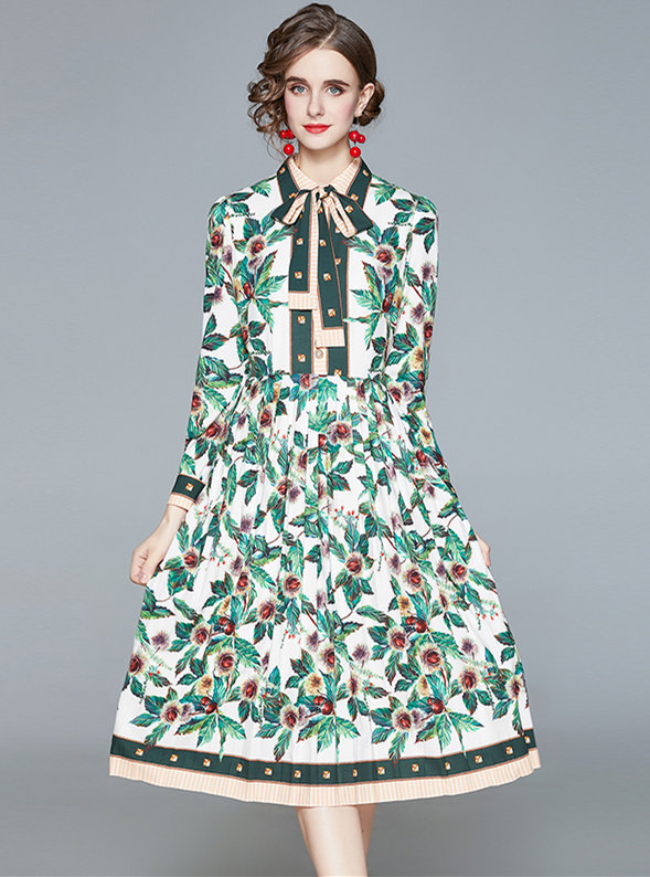 Charming Europe Tie Collar Flowers Pleated A-line Dress