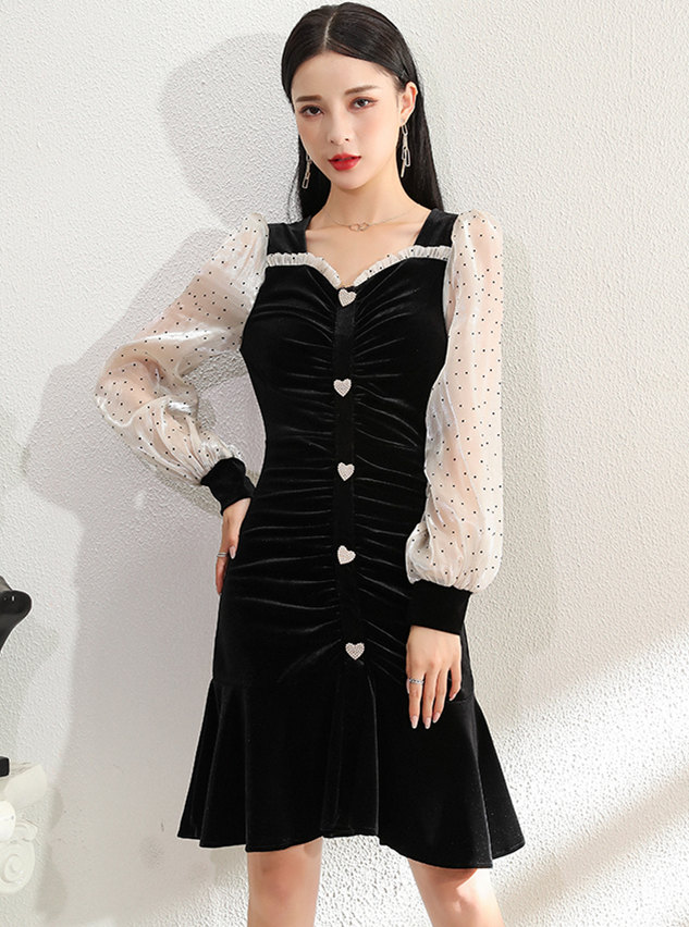 Wholesale Korea V-neck Dots Puff Sleeve Pleated Fishtail Dress