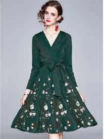 Pretty Fashion 2 Colors Tie Waist V-neck Embroidery Dress