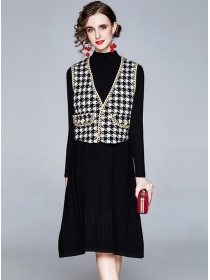 Europe 2 Colors Houndstooth Vest with Pleated Knitting Dress