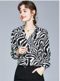 Quality Fashion V-neck Zebra Stripes Long Sleeve Blouse