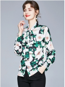 Charming Europe Tie Bowknot Collar Flowers Blouse