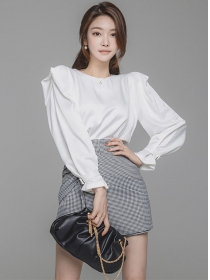 Modern Lady Puff Sleeve Blouse with Plaids Short Pants