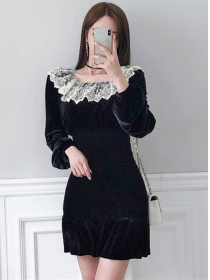 Retro Fashion Lace Boat Neck Fishtail Velvet Dress
