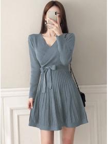 Autumn New 3 Colors Tie Waist V-neck Pleated Knit Dress