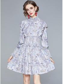 Charming Europe Elastic Waist Flowers Puff Sleeve Dress
