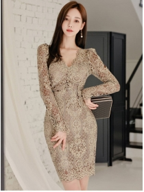 Modern Lady 2 Colors V-neck Lace Flowers Slim Dress