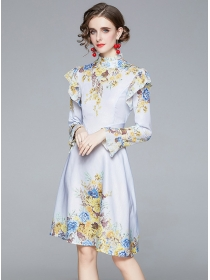 Wholesale Europe Flouncing Flowers Flare Sleeve Dress