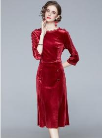 Modern Europe Round Neck Double-breasted Slim Velvet Dress