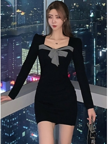 Modern Lady Tie Bowknot Square Collar Backless Slim Dress