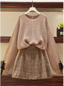 Retro Plus Size Puff Sleeve Sweater with Plaids A-line Skirt