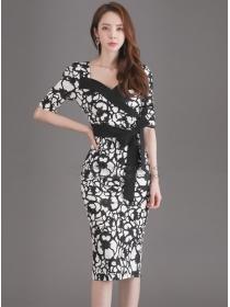 Wholesale Retro V-neck Tie Waist Flowers Slim Dress