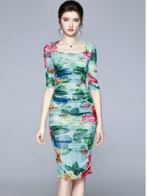 Charming Europe Square Collar Flowers Pleated Slim Dress