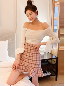 Pretty Lady Boat Neck Knitting Tops with Plaids Fishtail Skirt