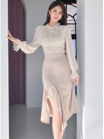 Spring Fashion Lace Flouncing Blouse with Fishtail Skirt