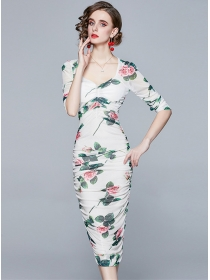 Grace Lady V-neck Flowers Fitted Waist Pleated Skinny Dress