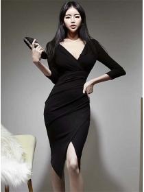 Wholesale Korea Fitted Waist V-neck Skinny Dress