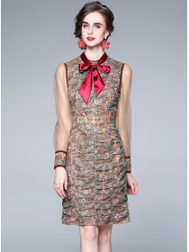 Europe Stylish Tie Collar Flowers Embroidery Slim Dress