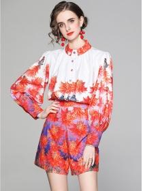 Europe Stylish Flowers Loosen Puff Sleeve Short Suits