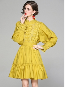 Europe Retro 2 Colors Flowers Embroidery Puff Sleeve Dress