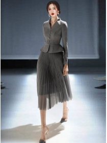 Retro OL Single-breasted Jacket with Gauze Pleated Skirt