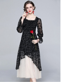 Retro Fashion Square Collar Plaids Lace Splicing Long Dress