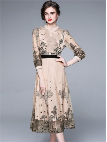 Retro Fashion Flouncing Collar Embroidery Gauze A-line Dress