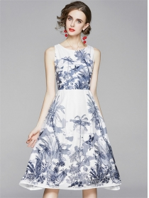 Fashion Europe Round Neck Flowers Tank A-line Dress