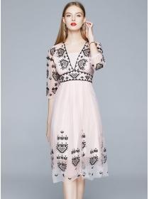 Grace Europe V-neck Embroidery Gauze Fluffy Dress