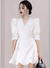 Boutqiue Fashion V-neck Fitted Waist Flouncing A-line Dress