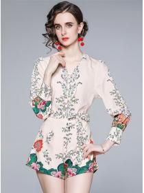 Pretty Women V-neck Tie Waist Flowers Short Suits