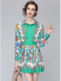 Pretty Women Flowers Shirt Blouse with High Waist Pleated Skirt
