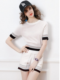 Hot Sell 2 Colors Tie Waist Stripes Knitting Short Suits