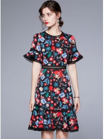 Retro Grace Hollow Out Flowers Flare Sleeve Dress