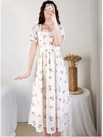Wholesale Fashion Square Collar Flowers Lace Dress