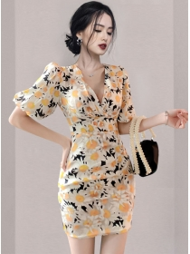 Charm Grace V-neck Fitted Waist Flowers Puff Sleeve Dress