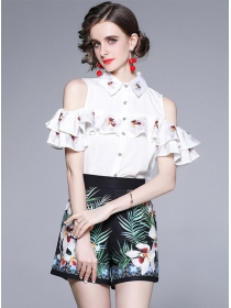Pretty Europe Flouncing Off Shoulder Blouse with Flowers Pants