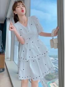 Preppy Fashion V-neck Embroidery Layered Flouncing Dress