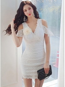 Grace OL Off Shoulder V-neck Stereo Flowers Pleated Lace Dress